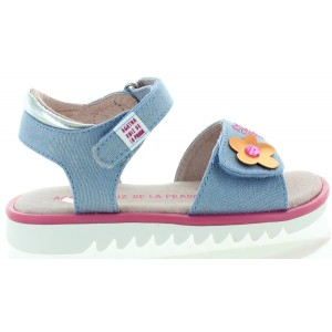 Flower decorated girls sandals in blue jeans leather