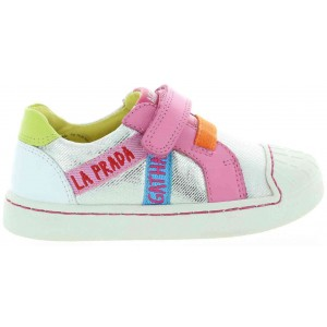 Bowleggedness fix shoes for a child