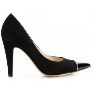 Black fashion heels with pointy toes