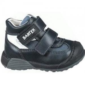 Wwide boots for toddler with arch support