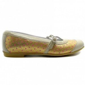 Beige shoes for a girl ortho with arch