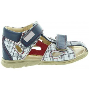 Baby sandals with high arches that are extra wide