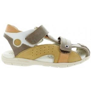 Cosed toe boys sandals with cream leather