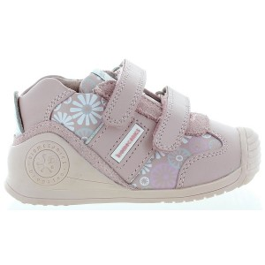 Sneakers for baby learning to walk and stand with soft soles