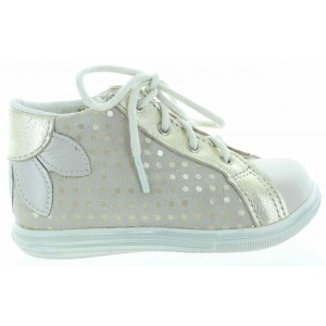Shoes for baby girls in gold leather