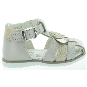 Sandals for baby that are ortho