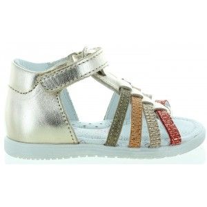 Baby sandals with open toe in gold