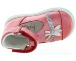 Leather shoes for baby girls that are breathable
