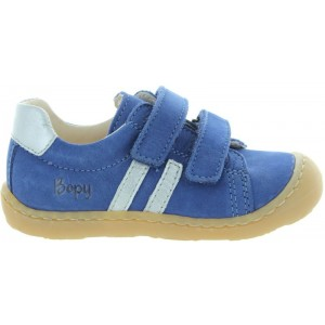 Sneakers from France supportive for child.