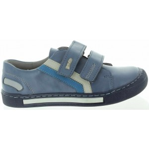 Kids feet with low arches best shoes