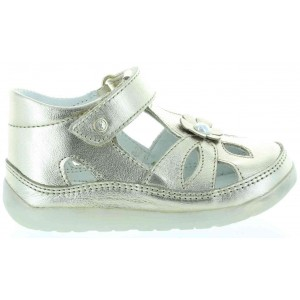Natural leather baby sandals