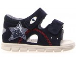 Corrective sandals for boys with pigeon toes