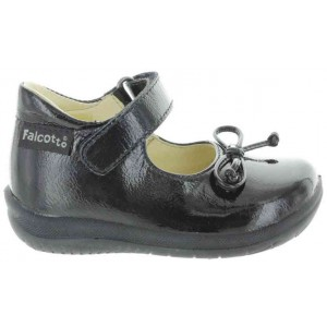 High instep shoes for a toddler