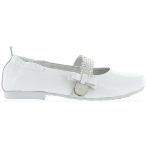 Shoes for girls from Italy that are narrow