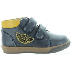 Leather boots for boy with posture problems
