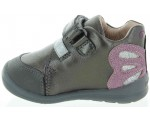 Shoes for a toddler girls for tip toe walking