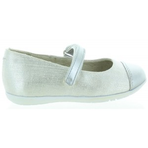 Girls shoes from Spain best for slim feet