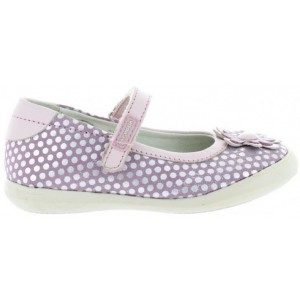 Flat feet in girls special shoes
