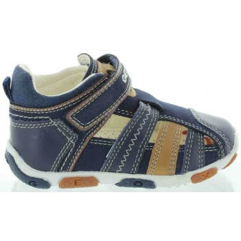 Geox foot forming shoes for toddlers