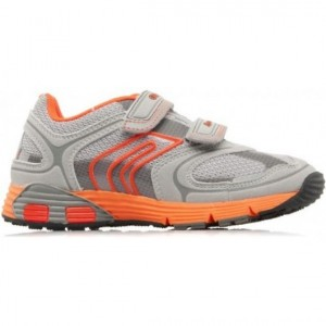 S.neakers with arches on sale