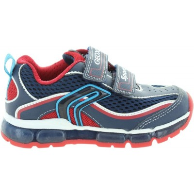 Kids with arches running sneakers