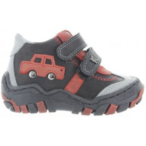 Correction shoes for a toddler with pigeon toes