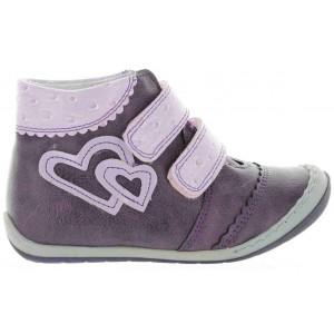 Girls European boots for narrow feet