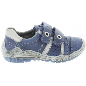 Treatment shoes for kids with low arches and pigeon toes