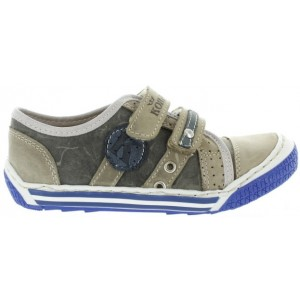 Boys shoes with wide instep and wide width