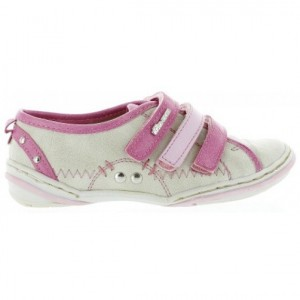 Shoes for intoeing children corrective