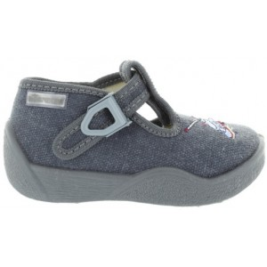 Best house shoes for kids with right foot turning in