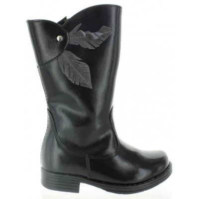 Waterproof snow black kids boot that are fashionable