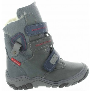 Snow boots for a child with ortho support light in weight