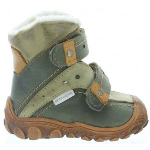 Baby with soft soles snow boots