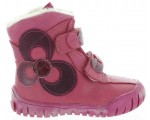 Soft leather snow boots for a child