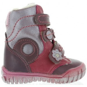 Baby boots with wool inside and flexible soles