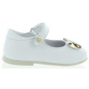 Child with arches white dress shoes