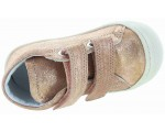 Corrective walking shoes in toe for toddler