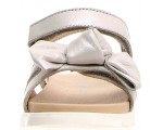 Silver leather sandals for girls