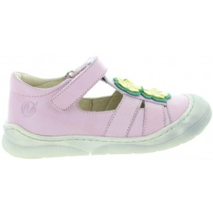 Pink sandals for child closed toe