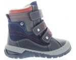 Snow boots for a toddler with toeing in