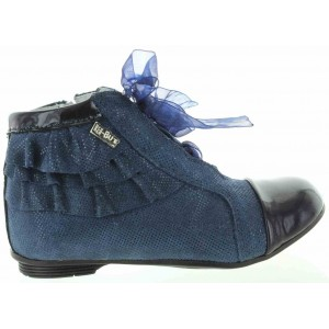 Toddler leather boots with supportive heel
