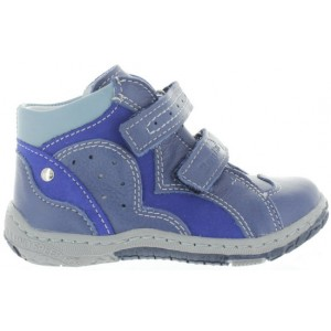 Babies taking first steps best high tops