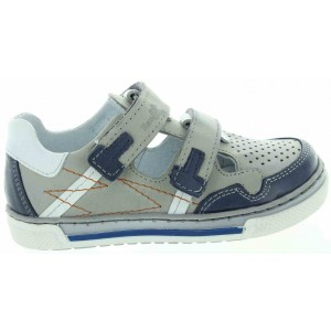 Shoes for boys with special support