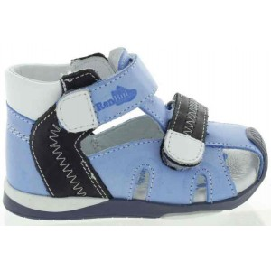 Sandals for a child first step
