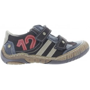 Boys shoes for walking on inside of the foot