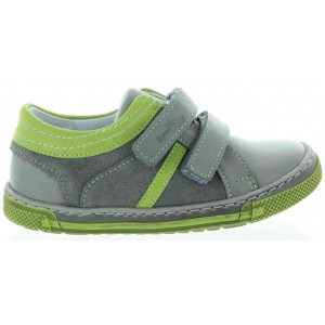 Shoes for boys flat feet prevention