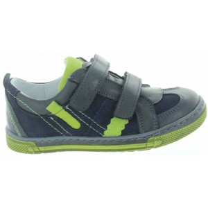 Tip toeing toddler best shoes