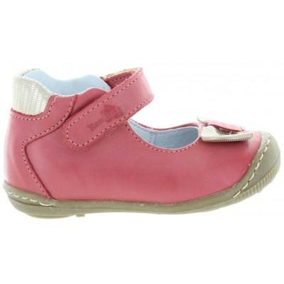 Orthopedic baby shoes in orange leather