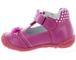 Footwear with arches for girls